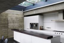 The modern kitchen / Kitchens for the lover of all things modern