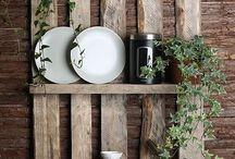 Inspiration / Inspiration och Ider på hur man gör om gamla möbler och tapetserar.