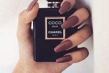 Perfumes, Nails