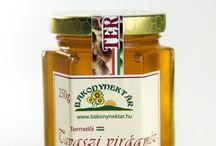 Virágméz / A virágmézek széles spektrumú mézek, több fajta növény nektárját tartalmazzák, így egészségvédő hatásuk összetettebb.