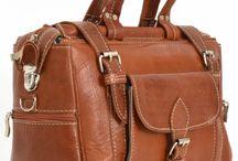 Reisetaschen & Bordtaschen / Ob Reisetasche, Bordtasche, Weekender oder lediglich einen Kulturbeutel. Wir haben alles, was Du für Deine nächste Reise brauchst!
