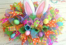 huevos y conejos de pascua