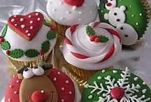 Food - Cupcakes Galore / by Linda Christensen