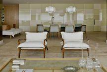 Decoração - Salas de Estar / As melhores fotos de sala de estar, dicas de decoração com papel de parede para sala de estar, tapetes para sala de estar, lustres para sala de estar e ideias para decorar sala de estar pequena. Tudo o que você precisa saber sobre sala de estar.