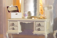 Dolls' house dressing table / by Dolls House Emporium