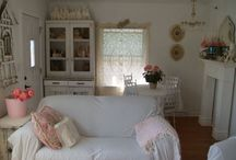 Vintage home / Vintage items for around the home. Creating that vintage feel in your own space.