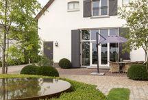 Cortenstaal - Tuinelementen / Cortenstaal kan op diverse manieren in de tuin worden toegepast. De roestlaag geeft een mooie warme kleur en zorgt dat het materiaal niet vergaat. Een duurzaam materiaal wat in bijna elke stijl tuin past.