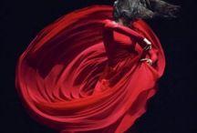 Utopia / Czerwona suknia