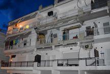 Πωλείται Διαμέρισμα στην Παραλία Κατερίνης 1 / Πωλείται Διαμέρισμα στην Παραλία Κατερίνης 300 μέτρα απο την θάλασσα.Βρήσκεται στον τρίτο όροφο και διαθέτη ενιαίο σαλόνη με κουζίνα ,μεγάλο χολ,ένα υπνοδωμάτιο,μπάνιο,αποθηκευτικό χώρο και ένα ευρύχωρο γωνιακό μπαλκόνι με θέα σε εμπορικό δρόμο.Η οικοδομή είναι καλοδιατηρημένη και έχει ασανσέρ.  http://www.girni-realestate.gr , Τηλ: +30 23510 62720 Κιν: +30 6978 553773 Fax: +30 23510 62720 Email: info@girni-realestate.com