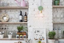 Kitchen Renovations / Kitchen Renovation Projects