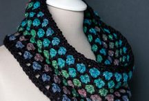 crochet cowl and scarf
