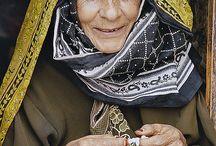 Jemen / Yemen (Yemeni) predominantly Arab; but also Afro-Arab, South Asians, Europeans