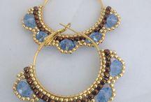 orecchine e anelli