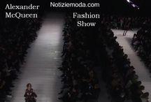 Alexander McQueen / Alexander McQueen collezione e catalogo primavera estate e autunno inverno abiti abbigliamento accessori scarpe borse sfilata donna.