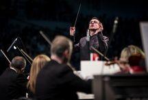 Cumhurbaşkanlığı Senfoni Orkestrası 1500 çocukla konser verdi / Cumhurbaşkanlığı Senfoni Orkestrası, 23 Nisan'ı Şef Cemi'i Can Deliorman yönetiminde 1500 çocuğun sahne aldığı görkemli ve renkli bir konserle kutladı.