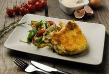 Rezepte für Fleischtiger / Hier findet ihr unsere besten Fleisch Rezepte für die wahren Fleischtiger unter euch. Egal ob mit Rind- oder Schweinefleisch, ob saftiger Braten oder würzige Spareribs, ob faschiert oder als Steak zubereitet, hier könnt ihr euch so richtig inspirieren lassen. Noch viel mehr Rezepte findet ihr natürlich auf unserer Website! Wir wünschen viel Spaß beim Gustieren und Nachkochen!