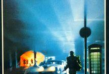 Adolfo Bioy Casares na Biblioteca de Filoloxía / Adolfo Bioy Casares (Buenos Aires, 15 de setembro de 1914 – ibídem, 8 de marzo de 1999) foi un escritor arxentino que frecuentou as literaturas fantástica, policial e de ciencia ficción.  Gañador do Premio Internacional Alfonso Reyes e o Premio Miguel de Cervantes, ambos en 1990. Parte do seu recoñecemento se debe á súa amizade con Jorge Luis Borges, con quen colaborou literariamente en varias ocasións.