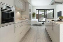 Fehér konyhák
