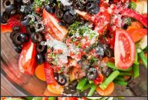 EVERYTHING SUMMER / Everything summer – road trips, slow cooker meals, camping, salads, Memorial Day, 4th of July, Labor Day, beach trips, gardening – from recipes to decorations and ideas!