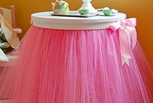 Party  Decor Ideas / by Viviane Santos