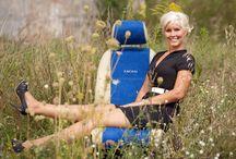 Lederlook ist sexy. / Hier sehen Sie eine nette Kundin aus Österreich mit Ihrer Freundin. Die Begeisterung über die ZACASi #Autositzbezüge stehen ihnen ins Gesicht geschrieben  #seatcovers #lederaustattung #audi #bmw #vw #leder #lederlook