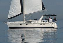Hunter 430 yacht