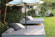 Outdoor Swings & Daybeds