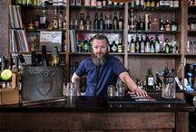 Bar & Bartender