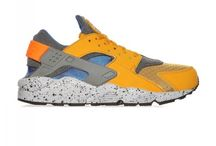 Nike Air Huarache Run SE Sneakers Gold Leaf / Hyper Cobalt Mens (852628-700)