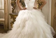 Wedding dresses / by Alicia Hall