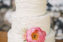 Beautiful Wedding Cakes and Sweet Tables