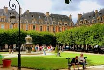 Paris Hotels avec Characteur / Paris still has the ability to charm; whether you're looking for a chic spot in Le Marais, boho style in Montmartre or just comfort in a great central location, we have the best places for you to stay. Take a look...