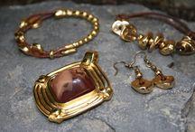 Conjunto Oro / Pulsera, pendientes, medallón