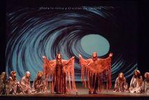 Dido y Eneas / colaboración de la Escuela de Arte nº1 con la producción de la ópera Dido y Eneas. Ilustraciones para fondos del escenario y joyas para el atrezzo de los cantantes.