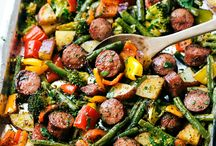 One-Pan Meals! / We love one-pan meals! Here's some of our favourite meal ideas that are perfect for those busy weeknights.