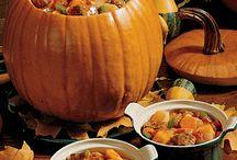 Thanksgiving eats n' treats  / by Kristen Pelura