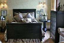 Bedroom Ideas / by Cluttered Quilter