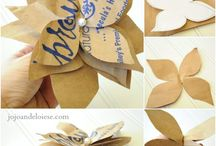 Paper Craft Ideas - Flowers / by Kellie Brabec