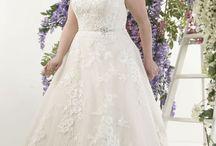 Callista Dresses / Brides with curves Celebrate