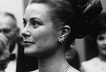 Celebrity jewellery icons / Our favourite jewellery styles from a few famous faces