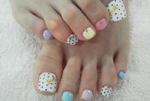 tip toes nails