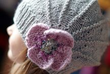 Hats / Knitted or crocheted hats