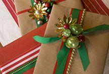 Christmas-Gift Wrapping