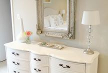 Detail - DRESSING TABLE