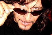 Gotthard / Memory of Steve Lee Data i miejsce urodzenia: 5 sierpnia 1963, Zurych, Szwajcaria Data i miejsce śmierci: 5 października 2010, Mesquite, Nevada, Stany Zjednoczone Zespół muzyczny: Gotthard (1992 – 2010)