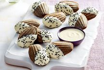 RECIPES : Madeleines and Macarons