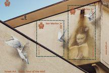 Cod. 642: Street art / Valori: foglietto formato da n.2 valori da €2,00 cadauno  Tiratura: 45.000 foglietti Stampa: offset a quattro colori, un Pantone, inchiostro invisibile giallo fluorescente a cura di Cartor Security Printing Dentellatura: 13¼x13 (30x40) e 13¼x13¼ (30x60mm) Formato francobolli: 30x40 e 30x60mm  Formato foglietto: 120x 90 mm Bozzettista: Eron