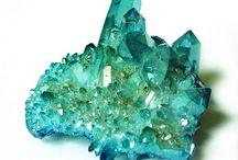 crystals / она о кристалах