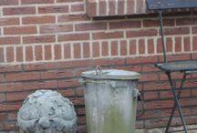 Dustbin (zinc) / Zinken vuilnisbak