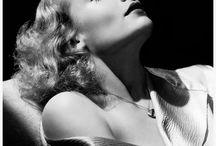 Hollywood Lighting / George Hurrell Hollywood lighting 1920's fashion.